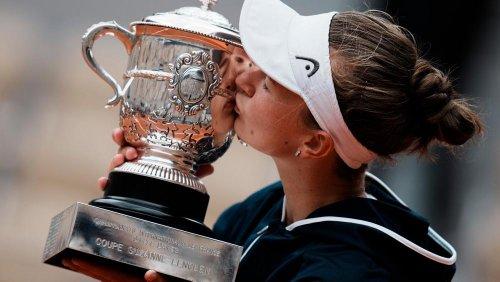 Barbora Krejcikova pays tribute to late coach Jana Novotna upon French Open triumph