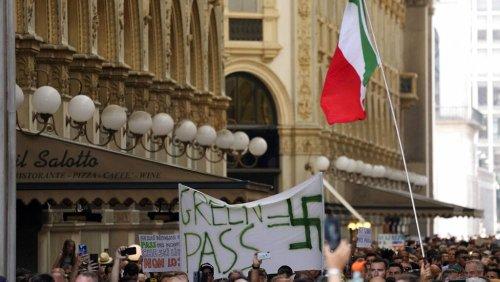 """Keine heile Welt durch """"Grünen Pass"""" - Vergleiche mit Nazi-Verfolgung"""