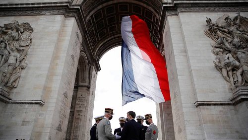 French military chief invites 'civil war' letter soldiers to quit