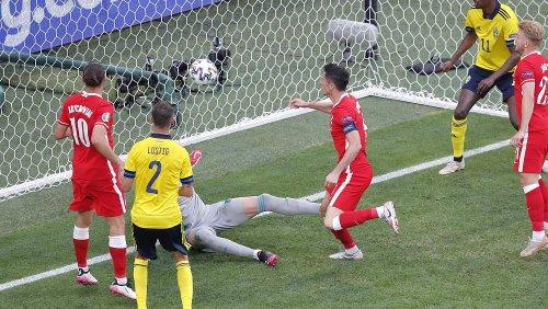 Lewandowski, Poland out of Euro 2020 with 3-2 loss to Sweden