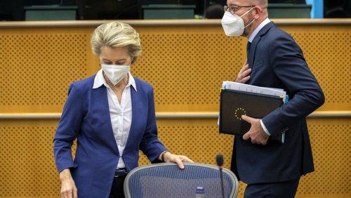 Von der Leyen y Michel visitan el Parlamento para explicar el sofagate