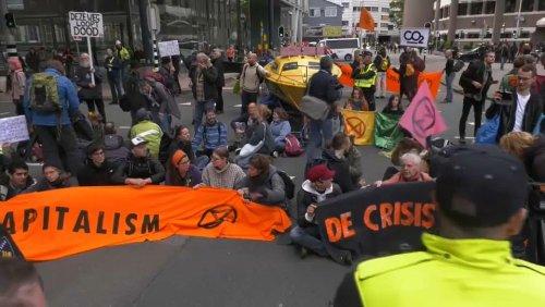 Klimaaktivisten demonstrieren in Den Haag und Brüssel