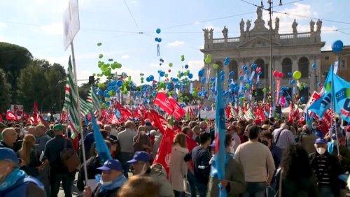 50.000 Menschen protestieren in Rom gegen Faschismus