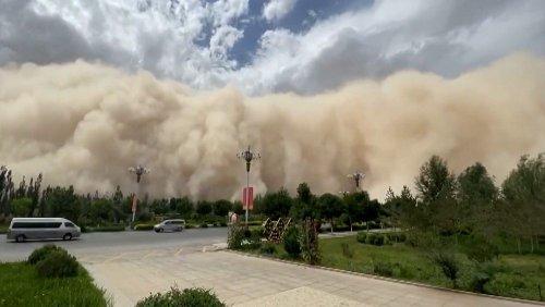 China: Sandsturm trifft Dunhuang