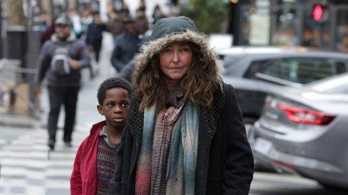 Crítica de 'Bajo las estrellas de París': Pobreza con vistas al cielo