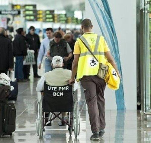 Aena adjudica por 272,4 millones la asistencia a viajeros con movilidad reducida en 20 aeropuertos
