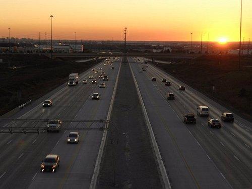 Ferrovial abandona la batalla jurídica por el control la autopista 407 de Canadá por la crisis