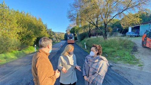 La Junta mejora el firme de las carreteras A-2101 y A-405 en Jimena y Tesorillo