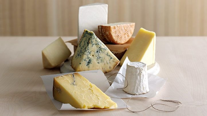 5 Cheeses You Can Eat on the Keto Diet — and 5 You Can't