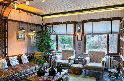 Dekorasyonu ile dikkat çeken 210 m2, 6 oda 4 banyo evdeyiz – Evim