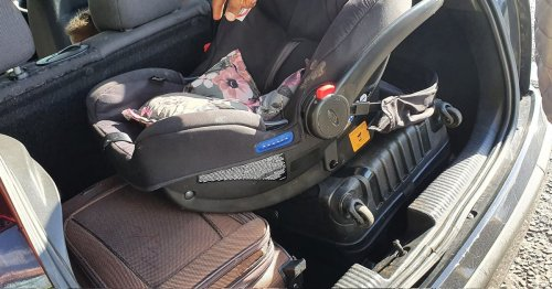 Police stop car on M62 with kids 'treat like luggage' with no seatbelt