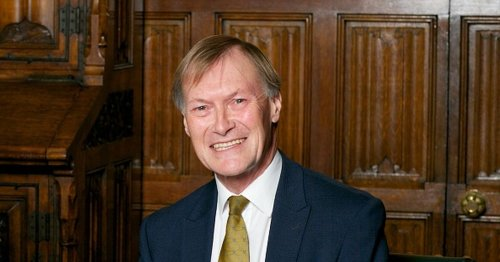 Tory MP Sir David Amess dies after being stabbed 'several times'