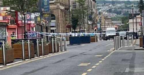 Live as police cordon near St George's Square in Huddersfield town centre