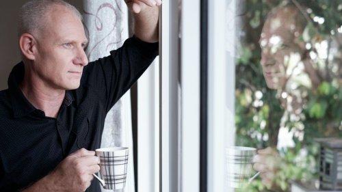 Queensland introduces home isolation as hotel quarantine alternative