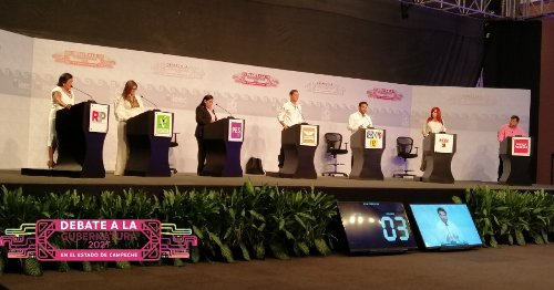 Candidatos de Campeche intercambian acusaciones por corrupción en primer debate