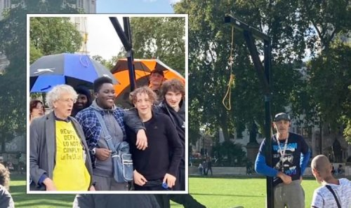 Piers Corbyn sparks outrage as anti-vax mob build GALLOWS outside Parliament