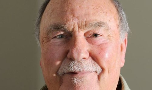 Jimmy Greaves dead: Tottenham and England legend dies aged 81