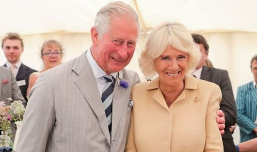 'Great pollinators' Prince Charles and Camilla harvest honey from bees at Clarence House