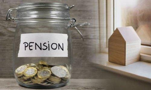 Mortgage free homeowner on plan to retire at 61 - despite 'late start' to pension savings