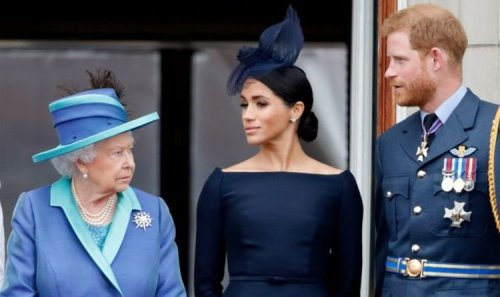 Prince Harry crisis as 'various' Royal Family members demand Queen 'disowns' Duke – expert