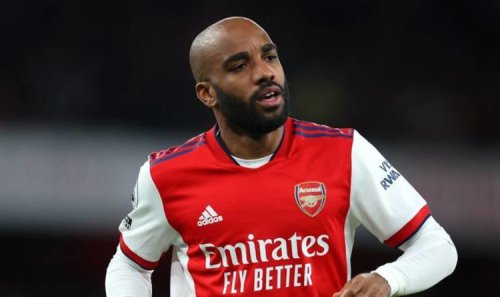 Mikel Arteta must learn from Mesut Ozil situation to solve Alexandre Lacazette conundrum
