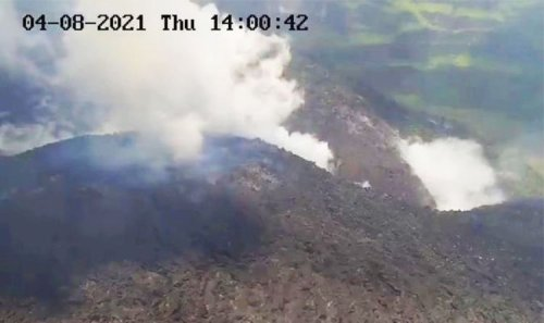 St Vincent volcano eruption: Thousands flee as Caribbean volcano belches smoke and ash