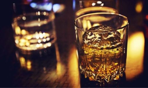 What's the best way to drink whisky? The three ways to make your drink taste even better
