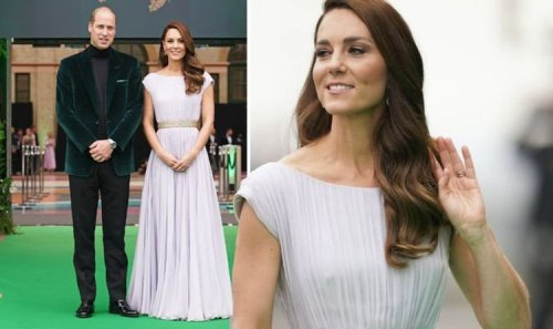 Kate stuns crowds as she arrives at Earthshot awards with Prince William – PICTURES