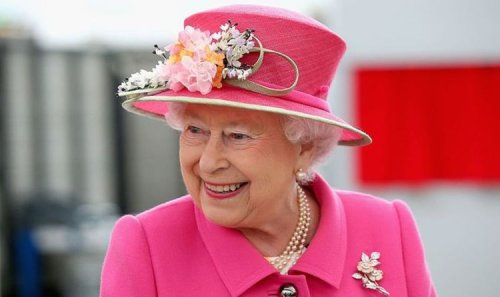 Queen tea! Royal chef lays bare monarch's favourite afternoon snack - 'Whole cake'