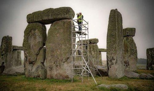 Stonehenge: English Heritage begin restoration work on famous prehistoric monument