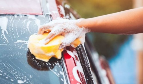 5 unexpected car cleaning hacks that are eco-friendly