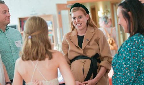 Princess Beatrice breaks Twitter silence as royal shares adorable new baby bump pictures