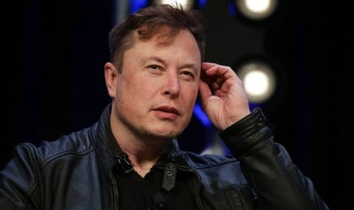 Elon Musk nightmare: SpaceX sparks 'red alert' after nearly crashing into UK satellite