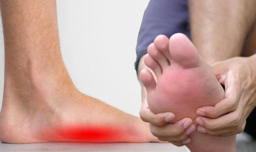Vitamin B12 deficiency symptoms: The 'feeling' in your feet that can signal low B12 levels