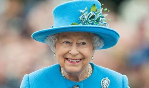 Queen signals the monarchy is in safe hands with nod to future kings in message