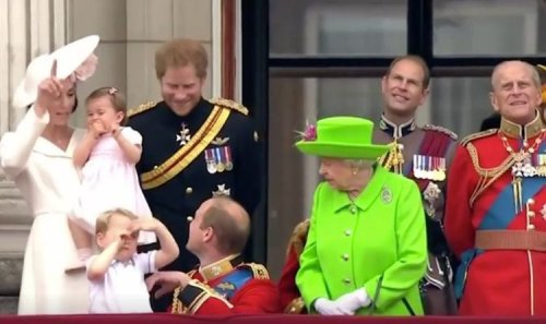 The Queen publicly scolds Prince William and tells him to 'stand up' in resurfaced clip