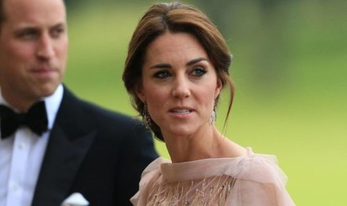 Kate Middleton was 'clearly not comfortable' during engagement announcement