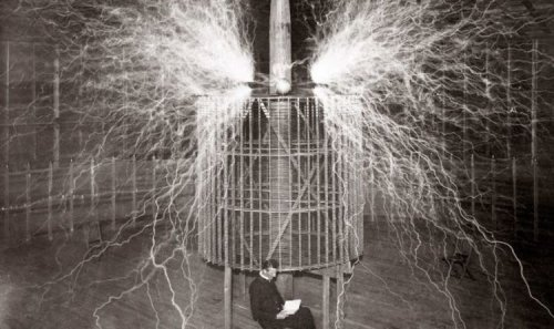 Tesla's 'Death Beam' brought to life - new invention can bring down PLANES