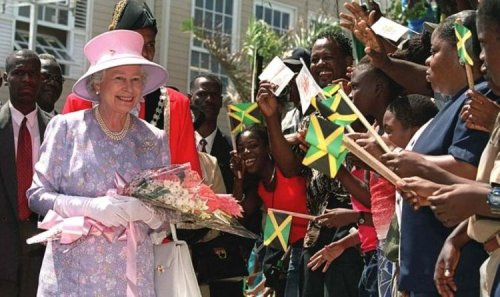 Queen on brink after Jamaicans say it's 'time to get rid' of monarch as head of state
