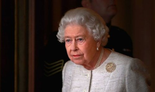 Queen abdication: Monarch admitted she WOULD step down - biographer lifts lid on nightmare