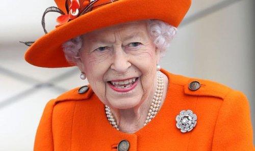 Queen launches baton relay for Birmingham 2022 Commonwealth Games