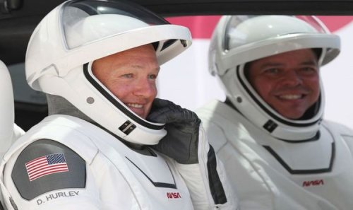 NASA makes major change to SpaceX contract so astronauts can reuse Crew Dragon
