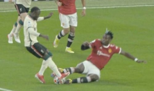 Liverpool medics' assessment of Naby Keita injury after Paul Pogba horror challenge