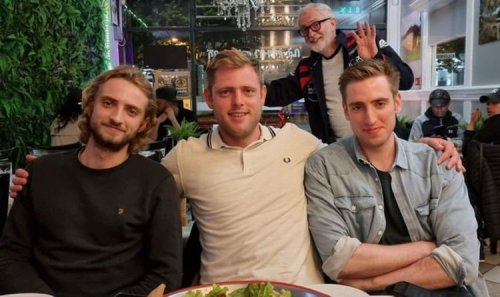 Ouch! Corbyn and his sons brutally mock Labour's Rayner with hilarious photobomb tweet