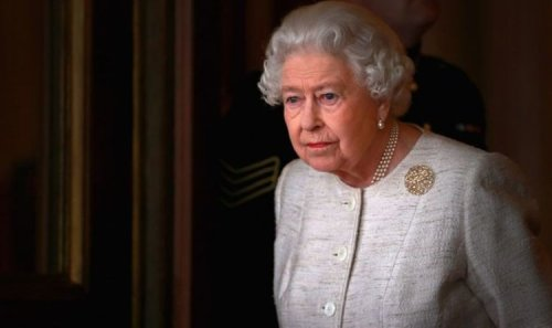 How Queen Elizabeth II signals to Firm insiders she is done talking to people laid bare