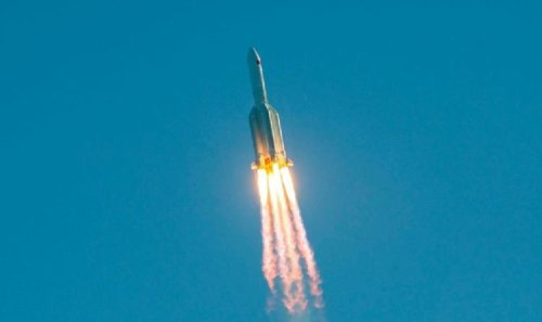 High alert! China rocket hurtling to Earth at 18,000mph to crash land in THREE hours