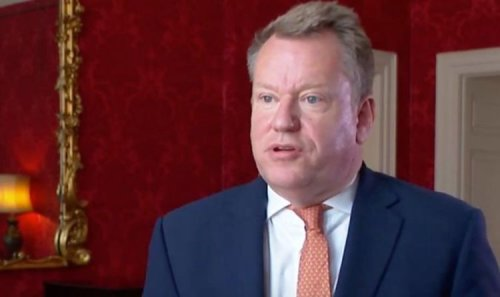 Labour fears Lord Frost on brink of triggering Article 16 to 'distract' from fuel chaos