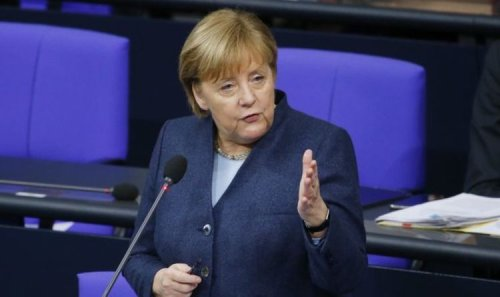 Russia threat: Merkel insists to 'stay in talks' amid 'worryingly tense' situation