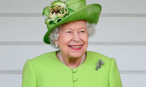 Queen chooses watching TV with friend over lunchtime gin following medical advice