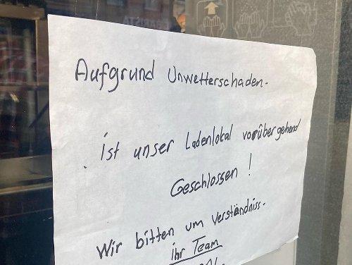 Gäste gucken in die Röhre: Vom Unwetter gebeutelt: Kölner Kult-Laden geschlossen